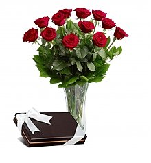 Flower Bouquets: Classic Beauty Red Rose Bouquet with Box of Chocolates