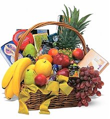 Fruit Gift Baskets: Romantic Fruit and Gourmet Basket